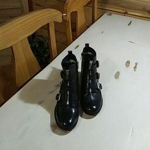 Michael Kors Blk Leather Boots